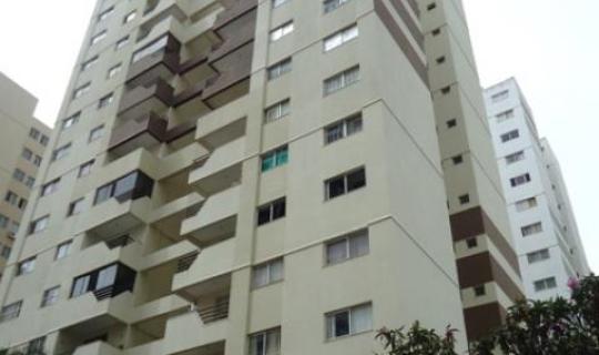 Alto da Gloria apartamento 3 quartos sendo uma suite desocupado com armários do lado shopping Flamboyant  ID: 79258